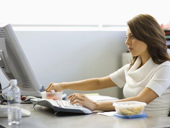 riesgos-trabajo-ordenador